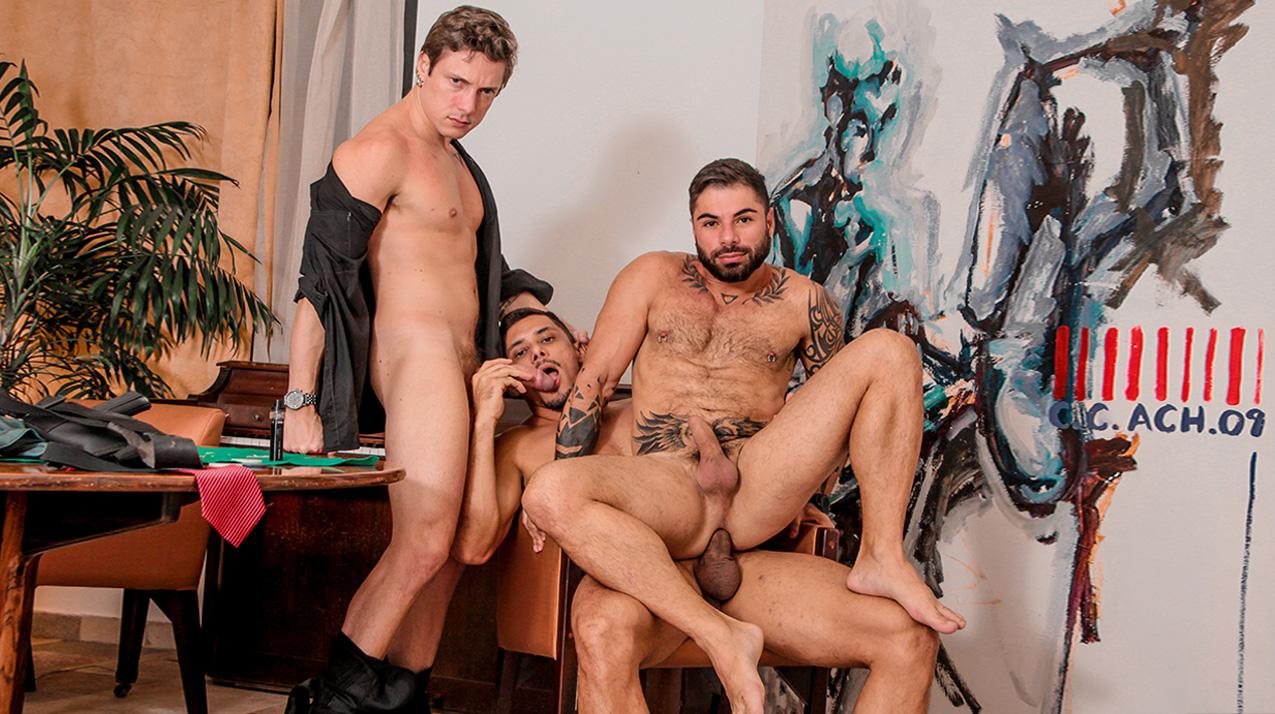 Russo (Boy Lixo) & Thiago & Fábio Jr - Bareback(Cassino)