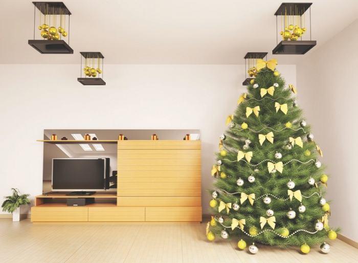 Con objetos sencillos y renovados se le puede dar una nueva vida al árbol de Navidad, para no gastar mucho. (Foto Prensa Libre: Hemeroteca PL)