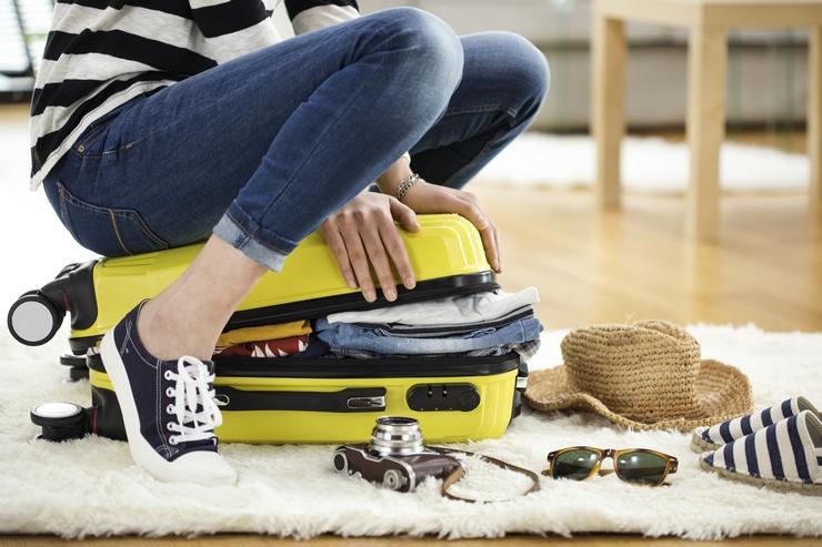 Cómo ahorrar espacio en la maleta y no olvidar nada