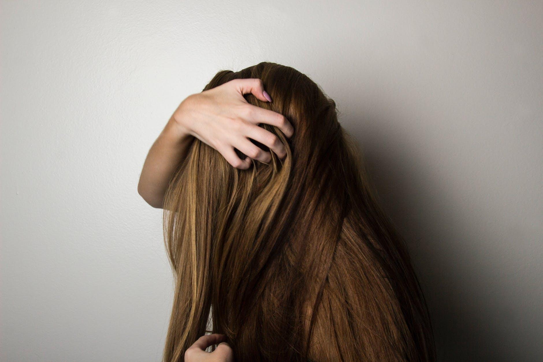 Tres consejos que debes aplicar si quieres frenar la caída del pelo