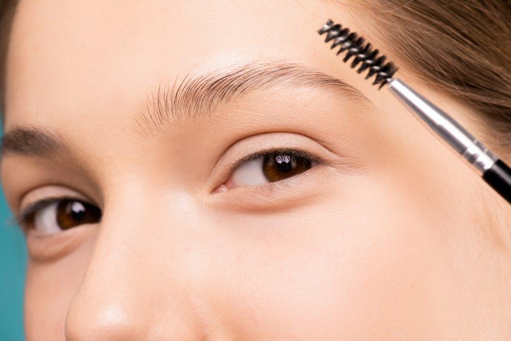 Consejos para maquillar tus cejas y que luzcan naturales