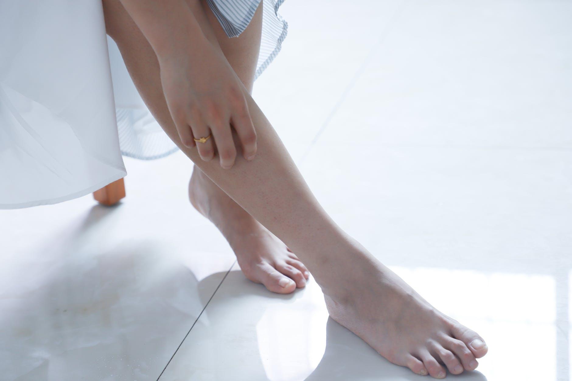 Exfoliantes caseros para pies y talones agrietados