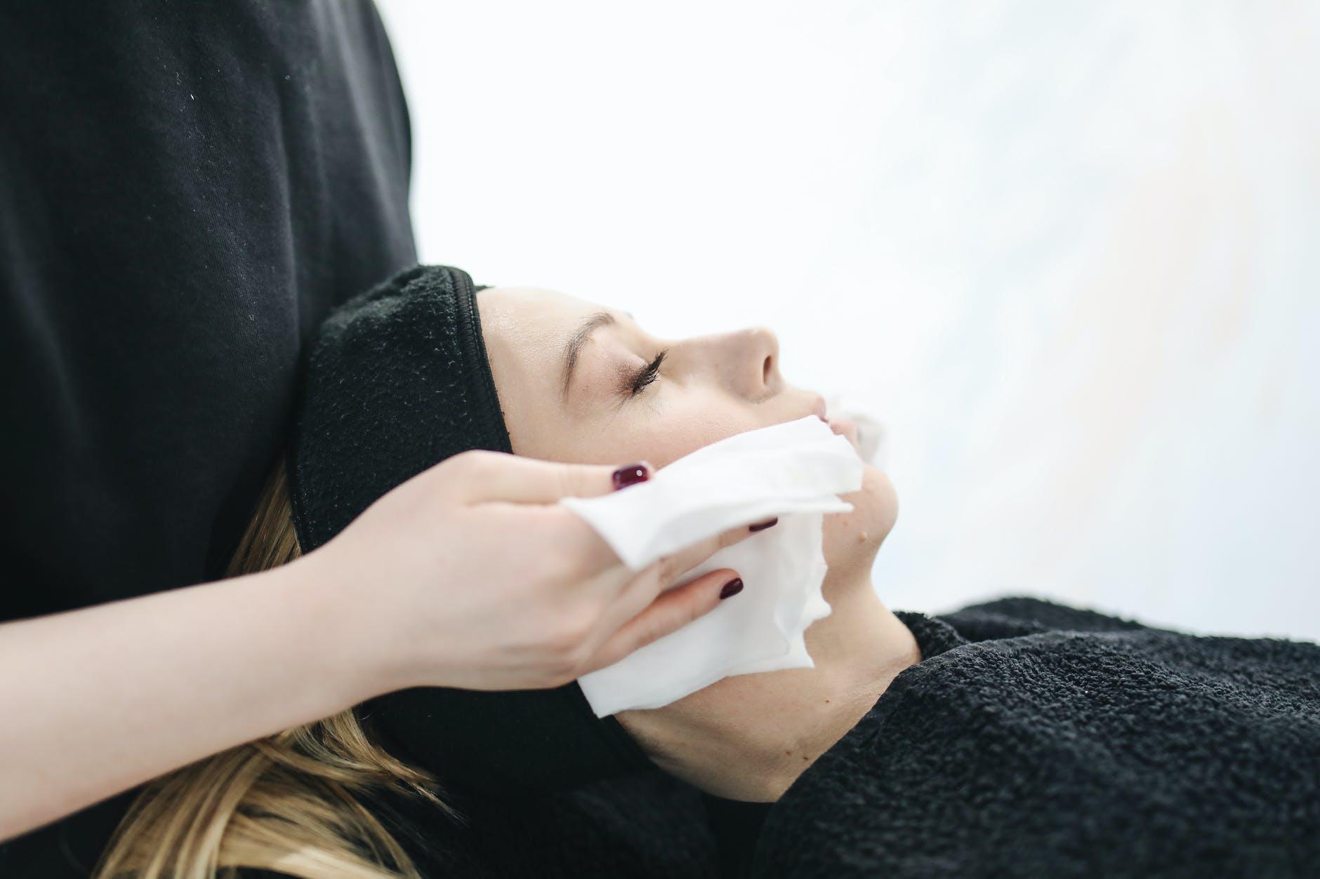 Esto le sucede a tu rostro cuando aplicas bicarbonato, azúcar y vinagre de manzana
