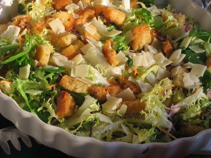 Almuerzo saludable: Ensalada crujiente de pollo y naranja