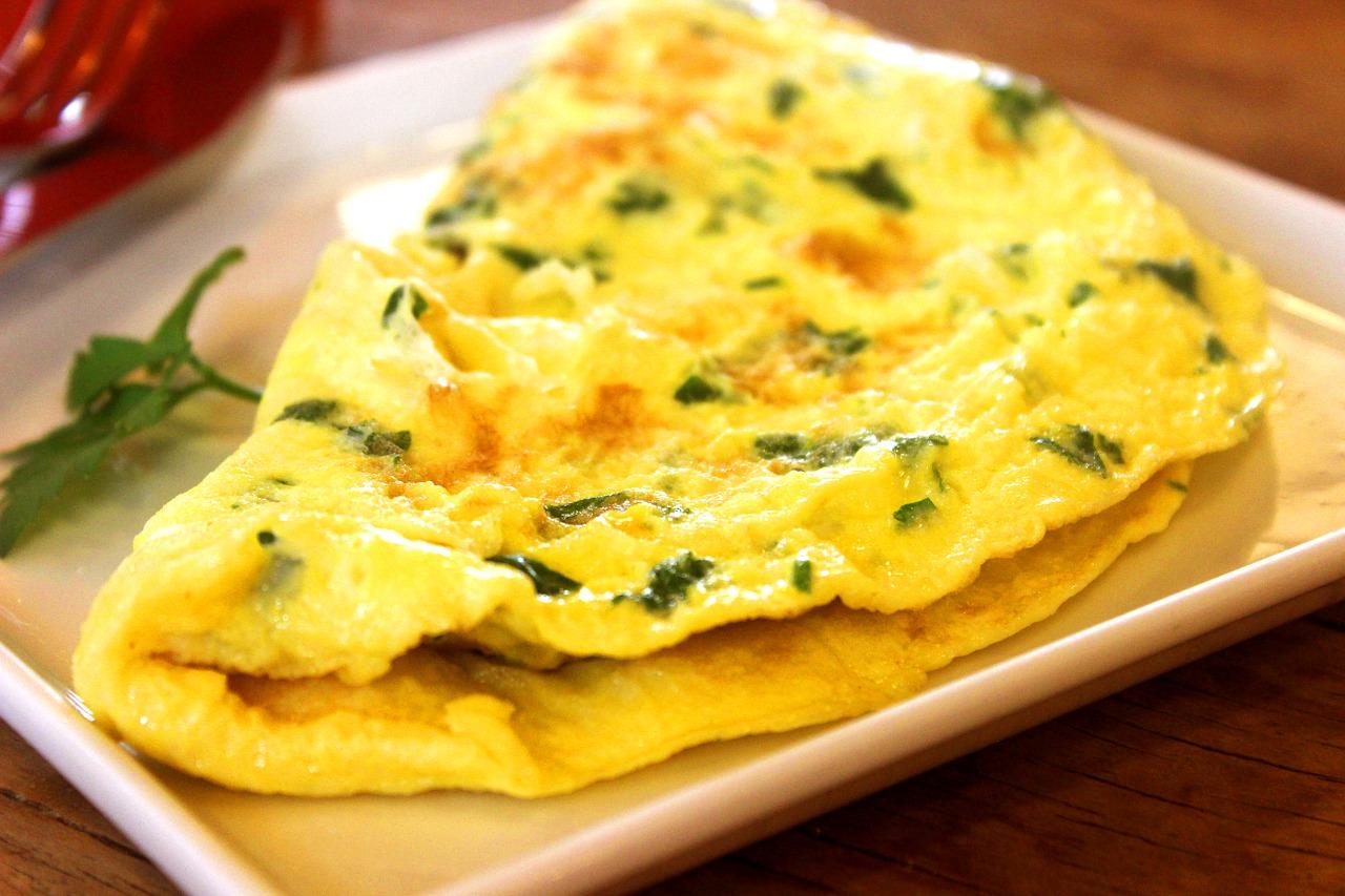 Desayunos saludables: Omelette de espinacas con queso