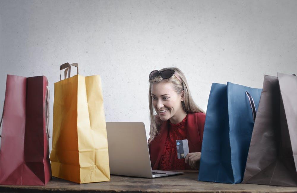 Tips para crear tu tienda en línea y mantener tu marca presente
