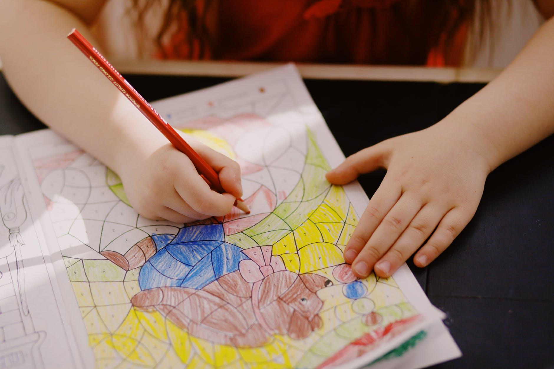 ¿Cómo motivar a tu hijo en el trabajo escolar?