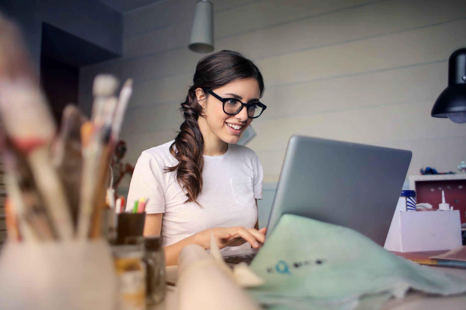 Seis razones para crear un negocio propio en línea