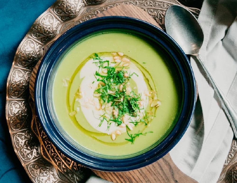 Prepara una deliciosa crema de verduras con espinaca