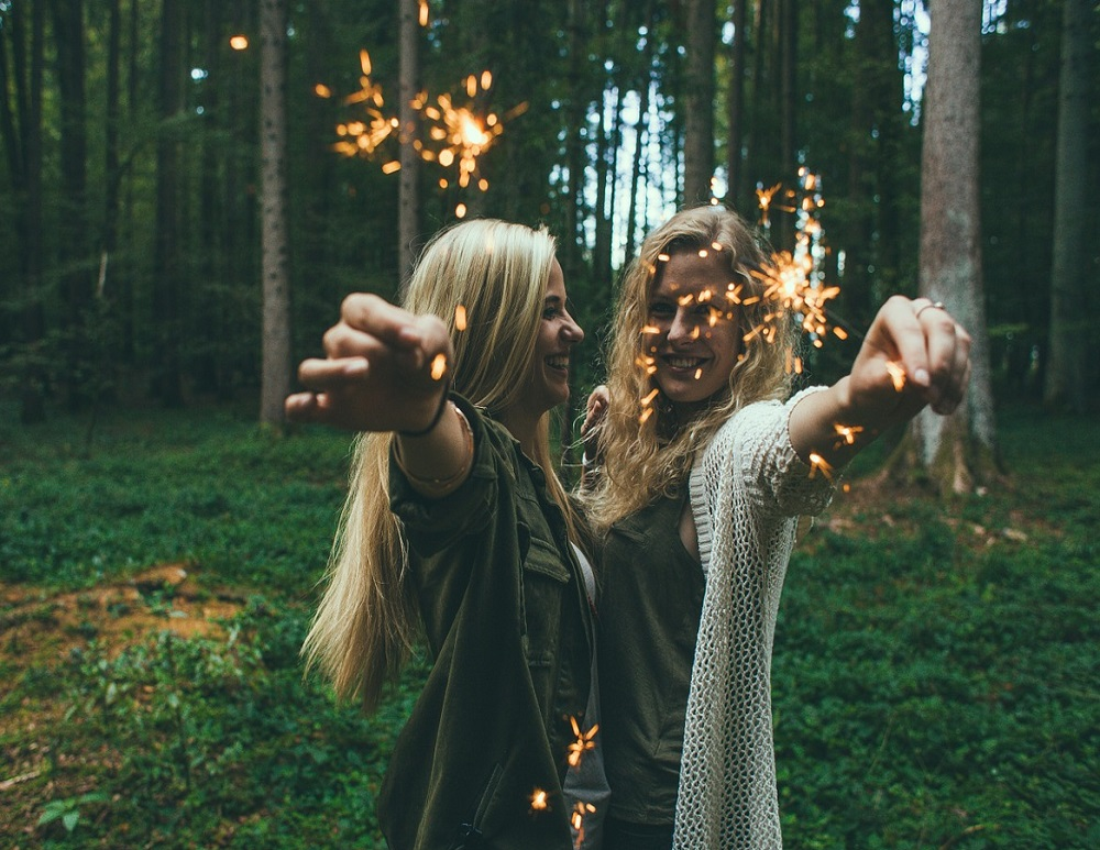 Estos son los factores que hacen terminar una amistad