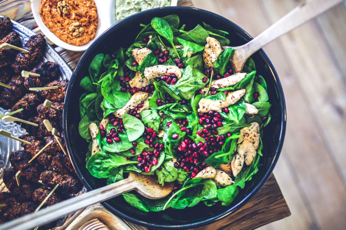 Cinco formas de comer más sano sin notar la diferencia