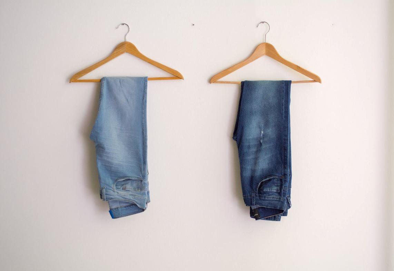 Trucos para transformar tus jeans en esta cuarentena