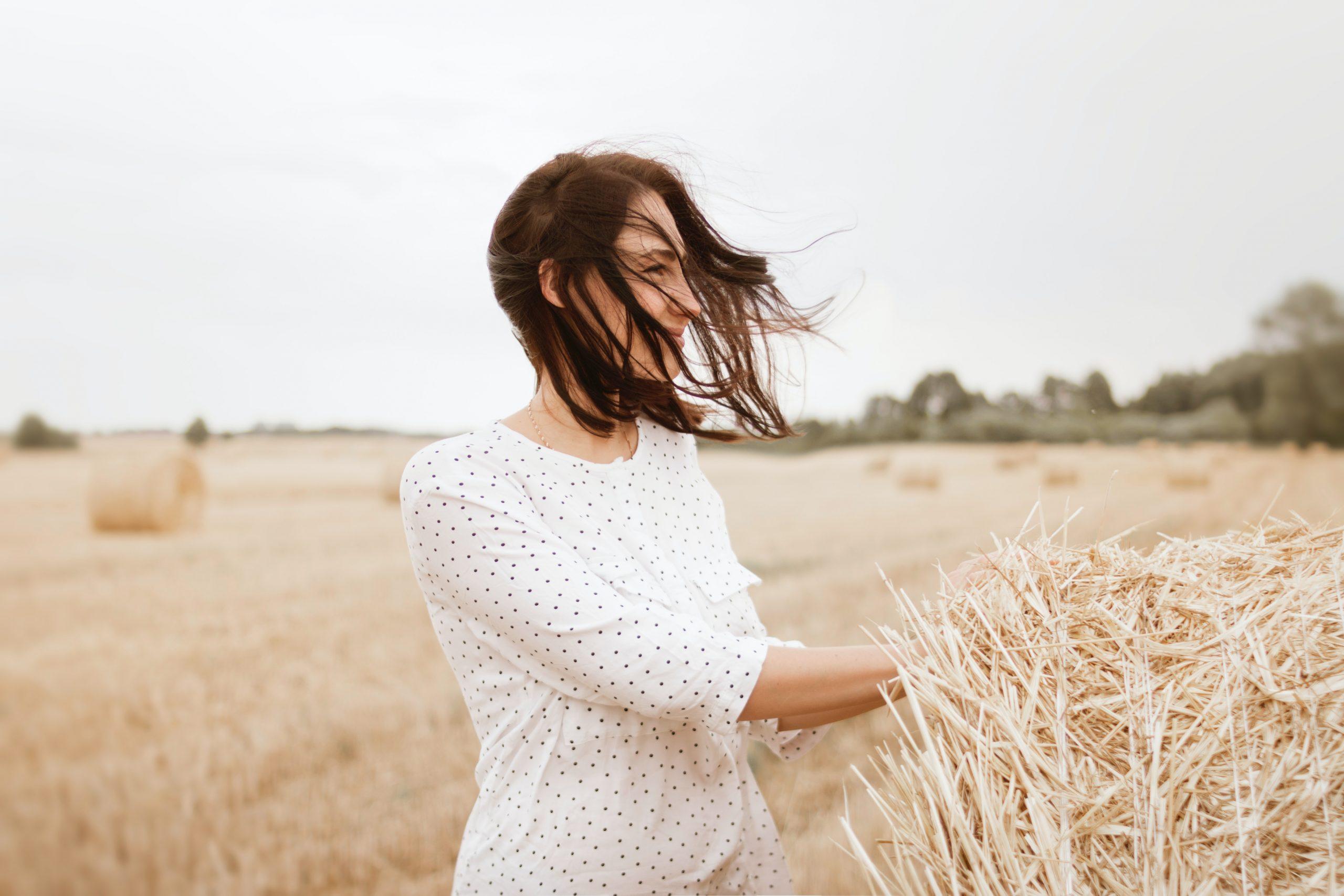 ¿Cortar las puntas del cabello acelera el crecimiento?