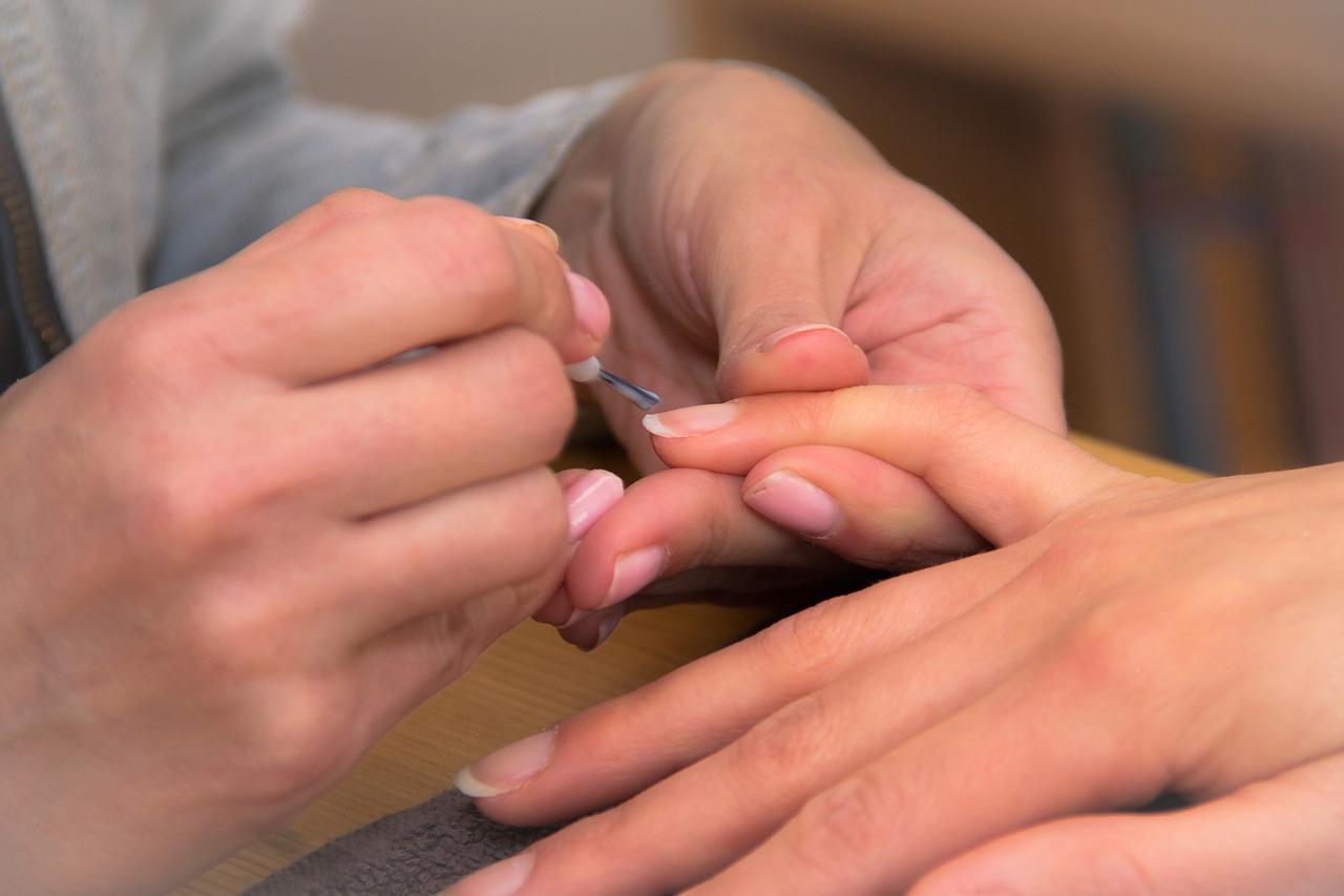 Remedios para tratar las uñas amarillas