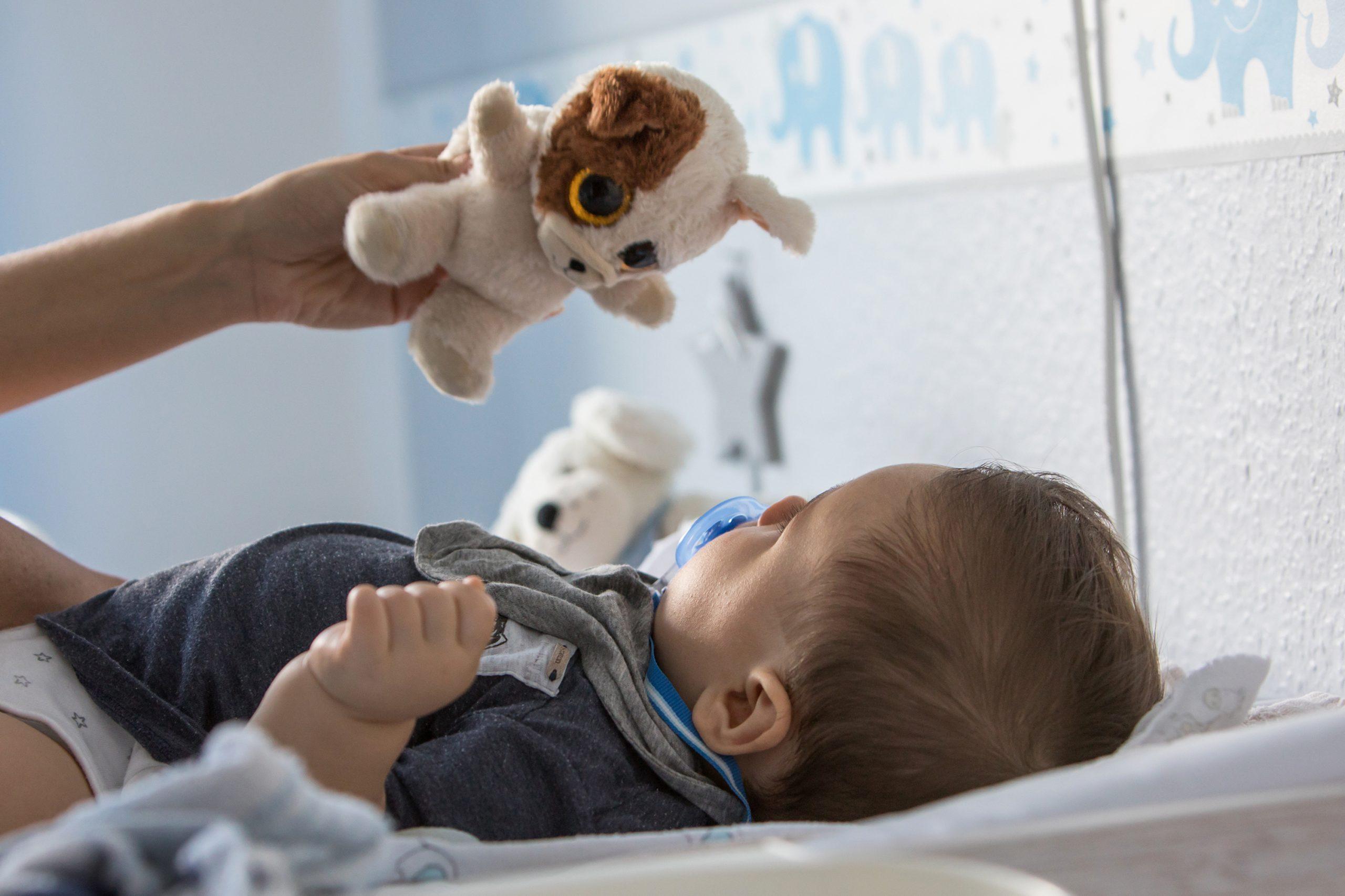 Colocar a los bebés boca abajo estimula músculos y motricidad