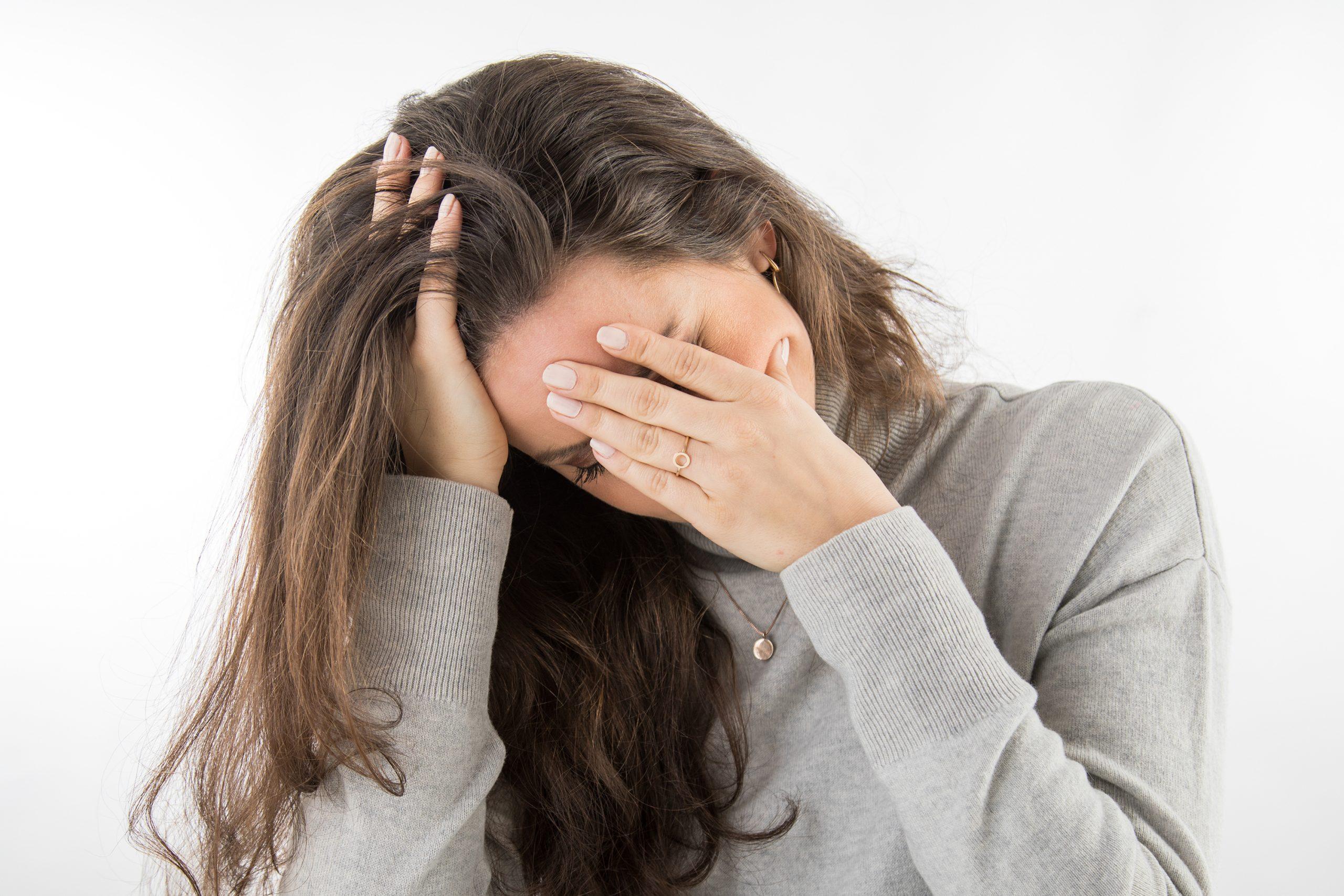 Nervios o estrés: qué hay detrás de los ataques de dolor en la cara
