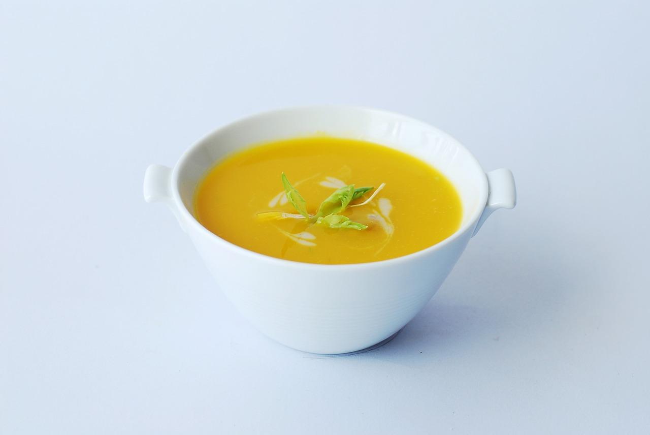 Cinco sopas vegetarianas para degustar en casa