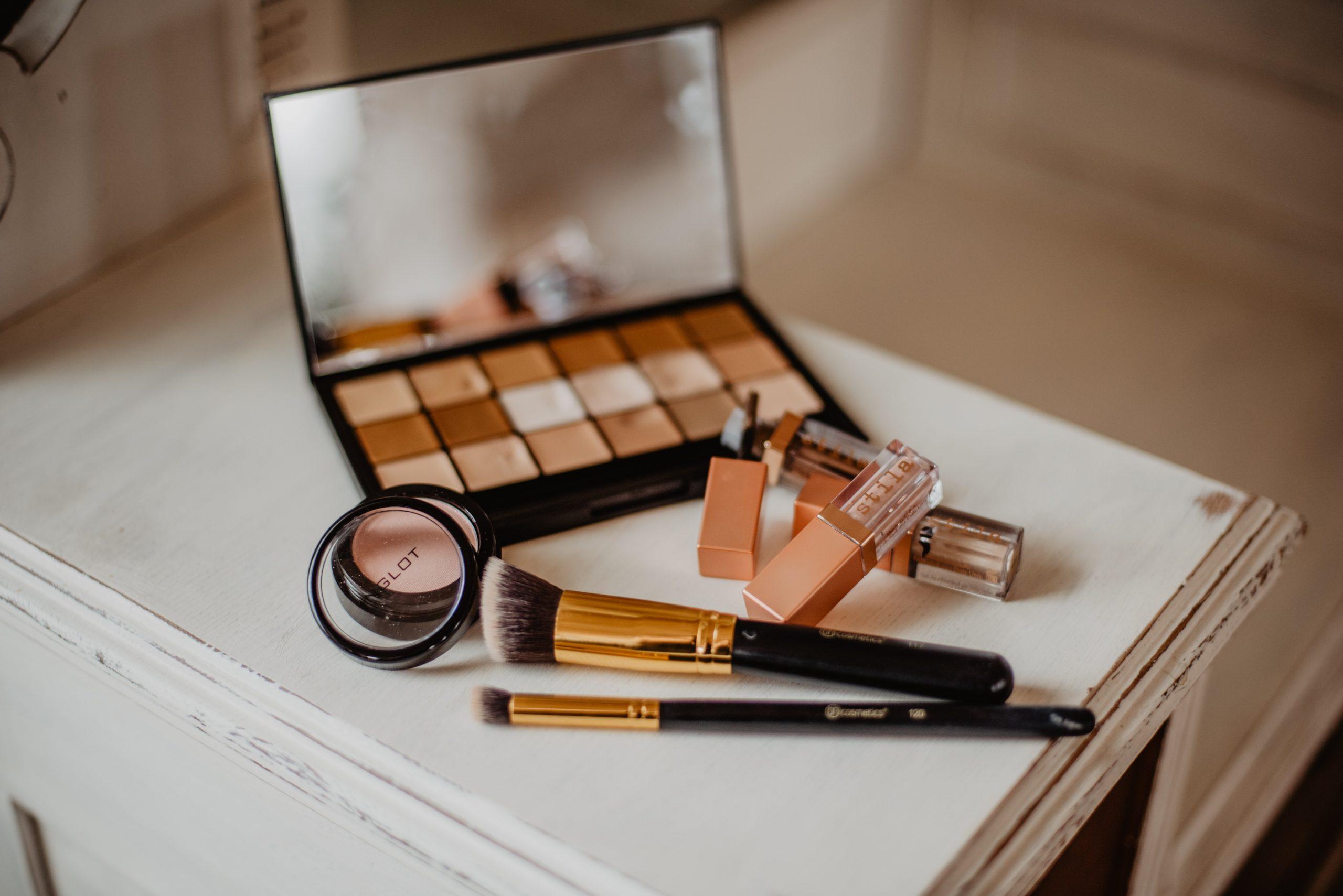 Estudio demuestra que el maquillaje que usas está contaminado con superbacterias