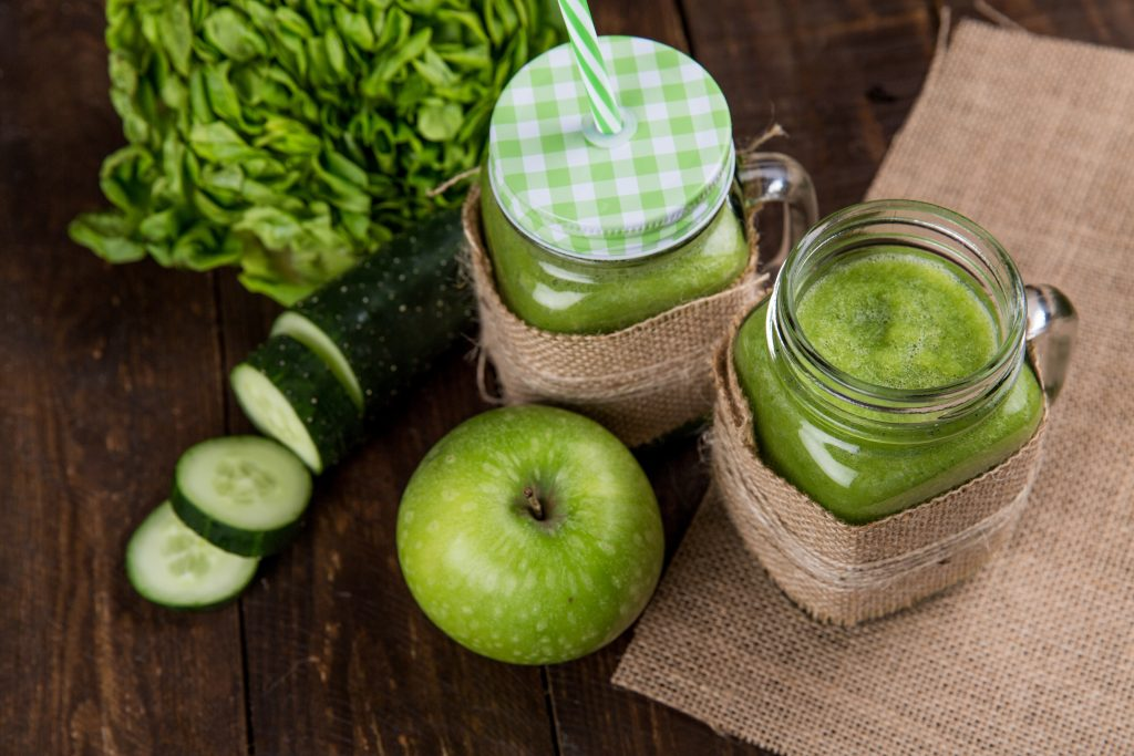 Jugo de manzana con jengibre para activar el metabolismo