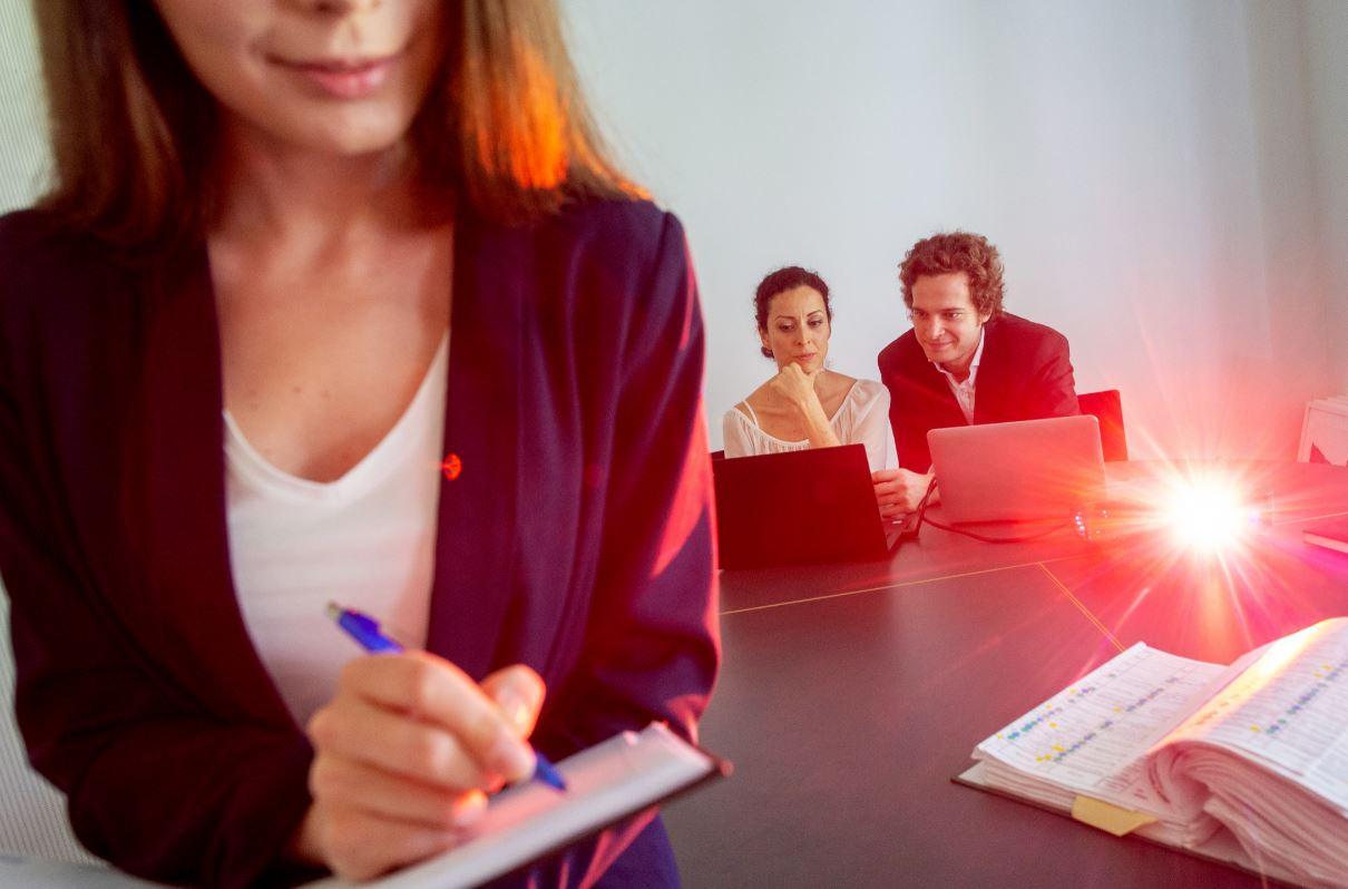 Cómo prosperar en el empleo, ¿siendo egoísta o trabajando en equipo?