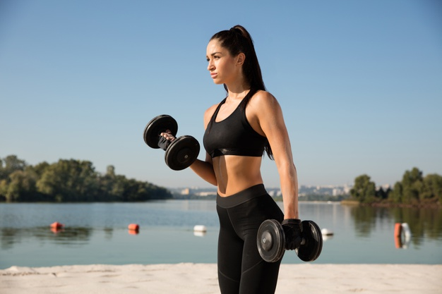 ¿Bajar de peso con cardio o pesas?