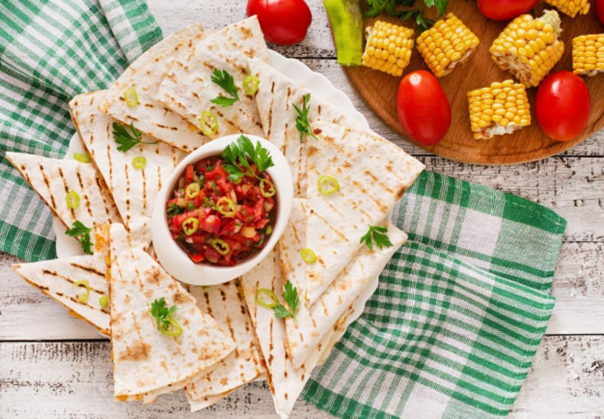 Quesadillas vegetarianas con chile pimiento asado