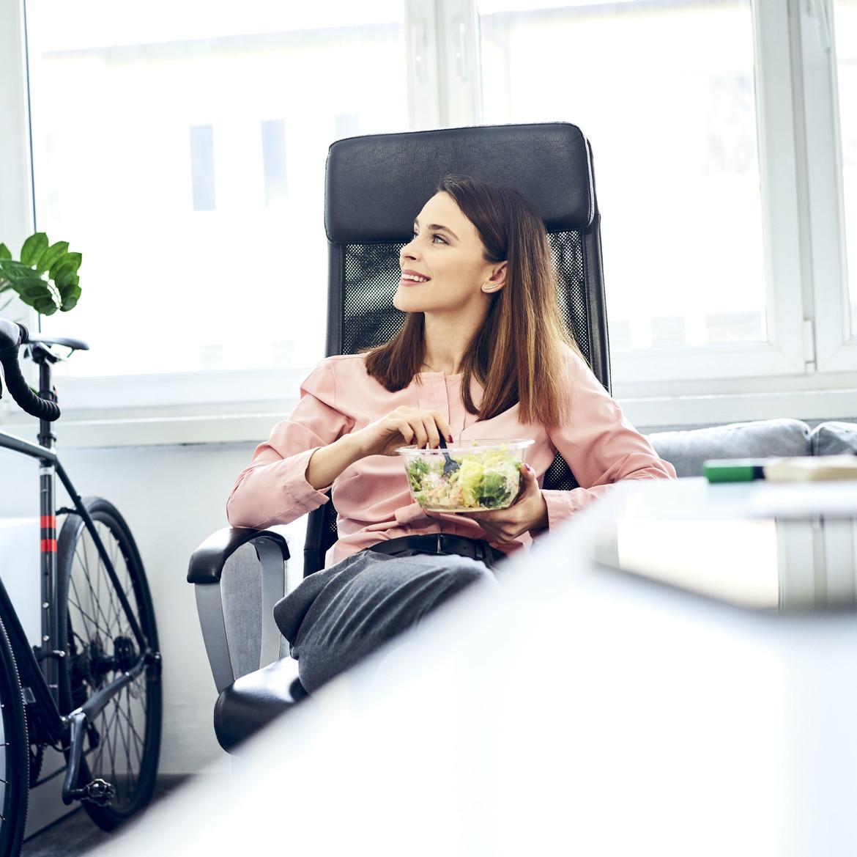 Consejos para tener una alimentación saludable en la oficina