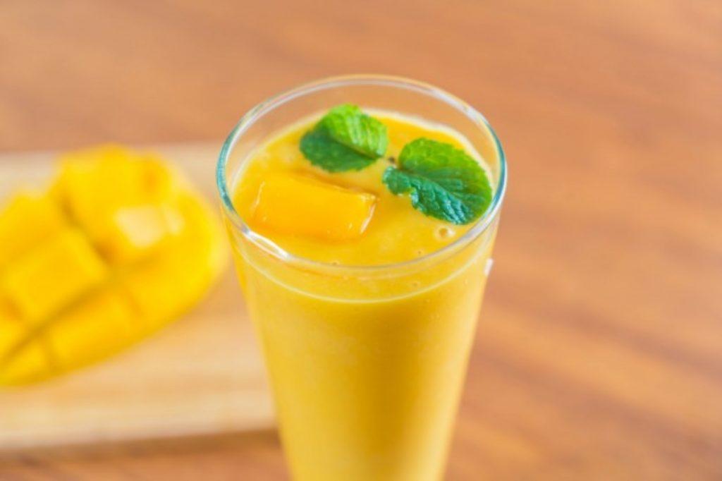 Smoothie de mango y plátano