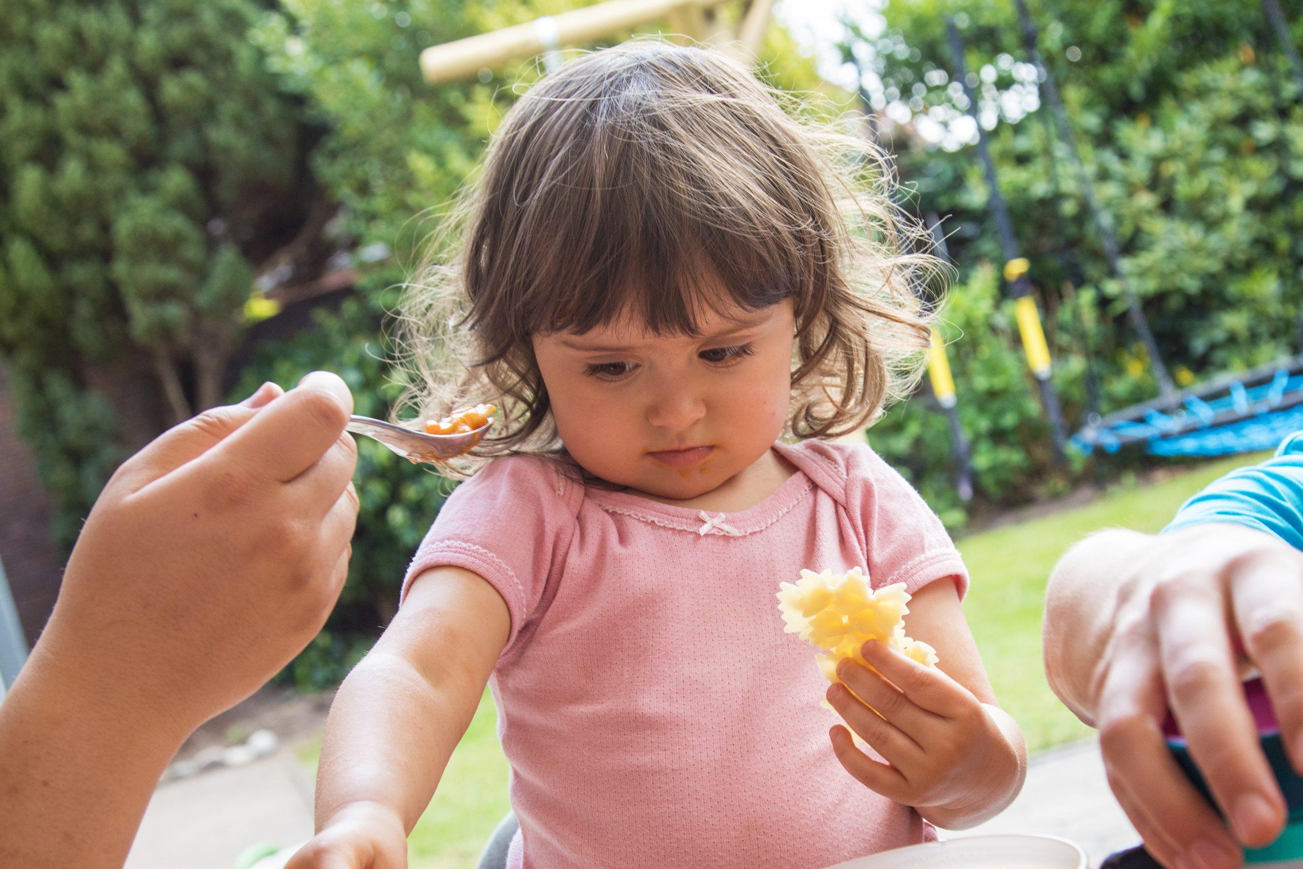 Técnicas para que los niños se alimenten saludablemente
