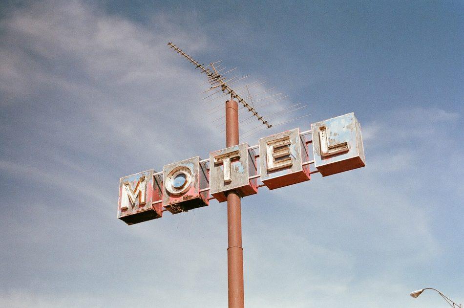 Auto-hotel