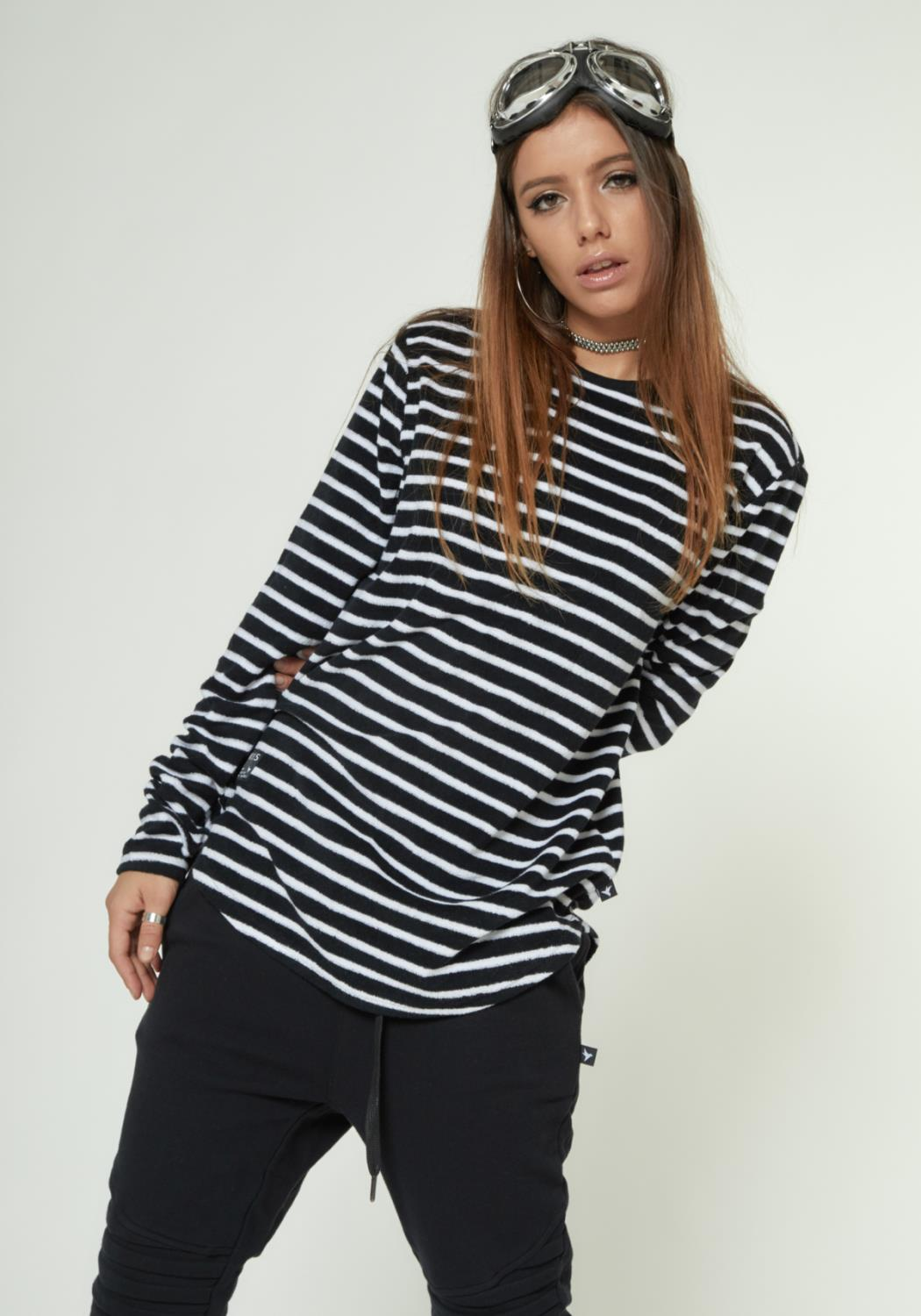 MENS SCALLOPED STRIPE LONG SLEEVE TEE