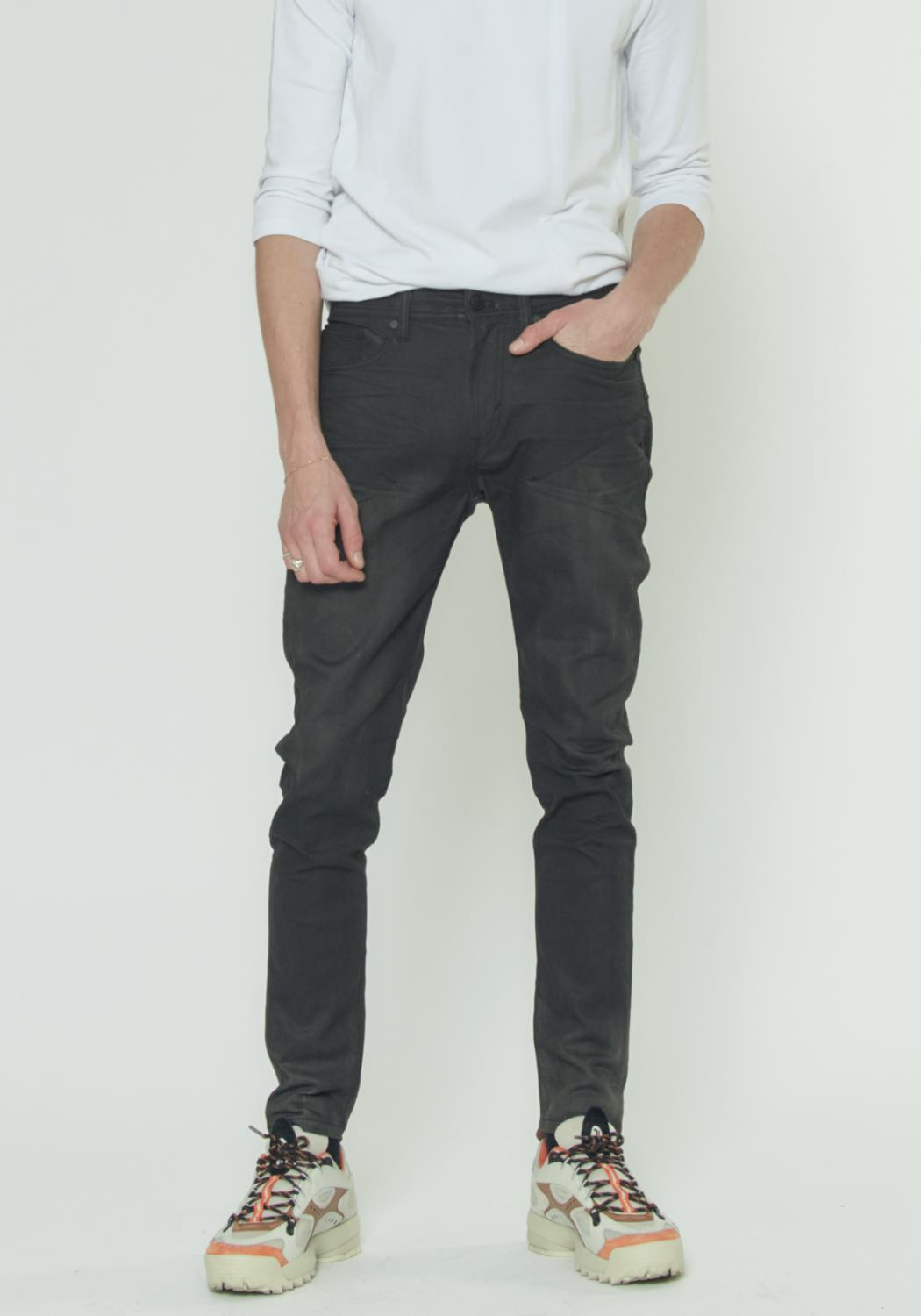 WAXED BLACK PANTS
