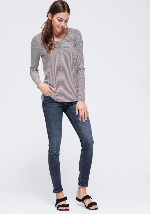 Split Neck Front Tie Top