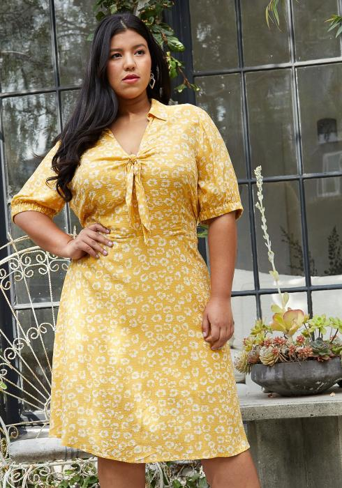 Pleione Plus Size Tied Open Front Collard Floral Dress