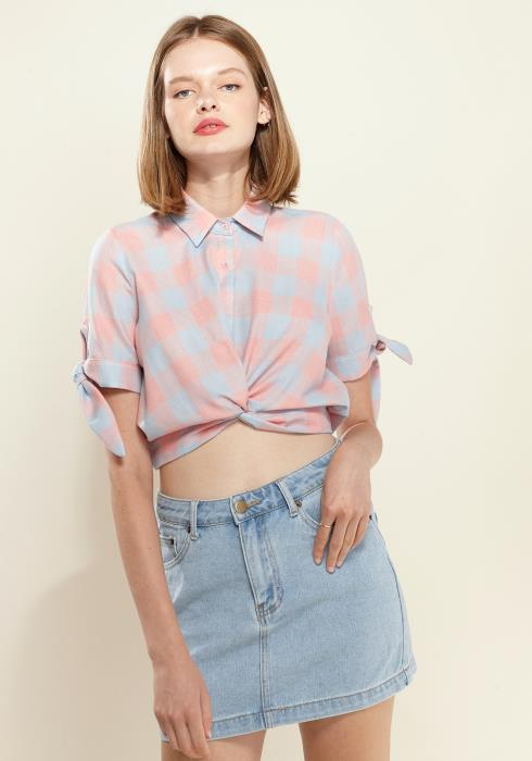 Nurode Plaid Twist Hem Cropped Shirt
