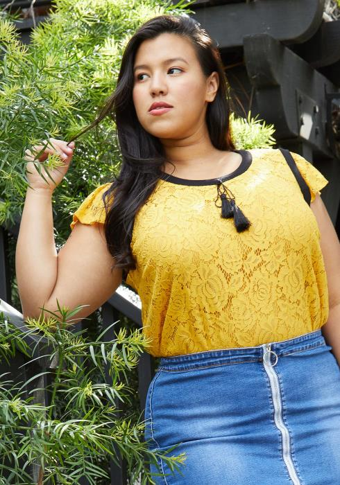 Pleione Plus Size Floral Lace Tassel String Top