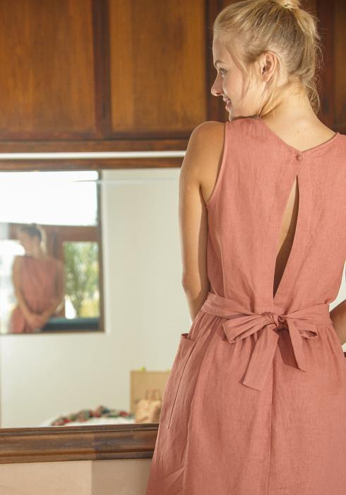 Pleione Sleeveless Pocketed Midi Dress