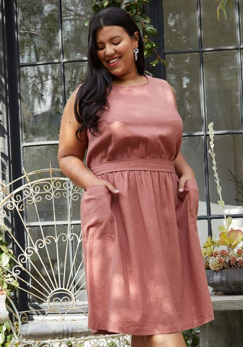 Pleione Plus size Sleeveless Pocketed Midi Dress