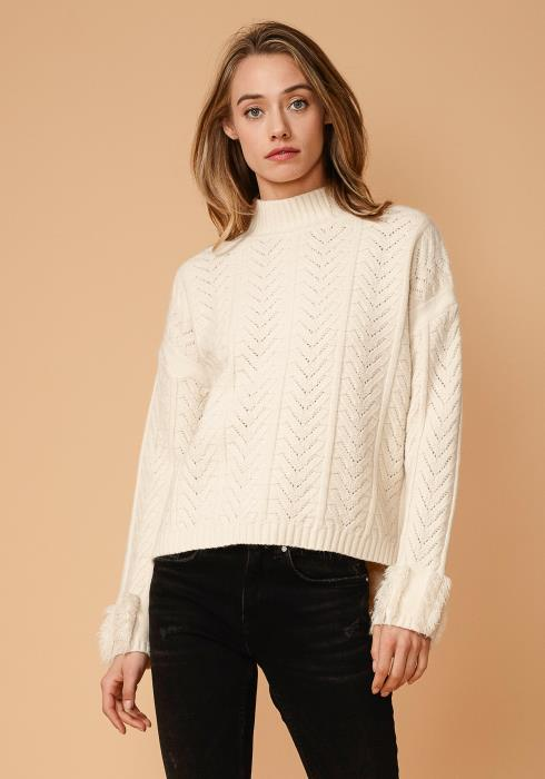 Nurode Turtle Neck Fringe Sweater