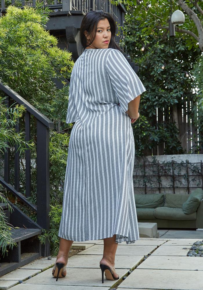 f5748be48adc7e Nurode Plus Size Lace Trim Tie Front Maxi Dress   ROBINK.COM