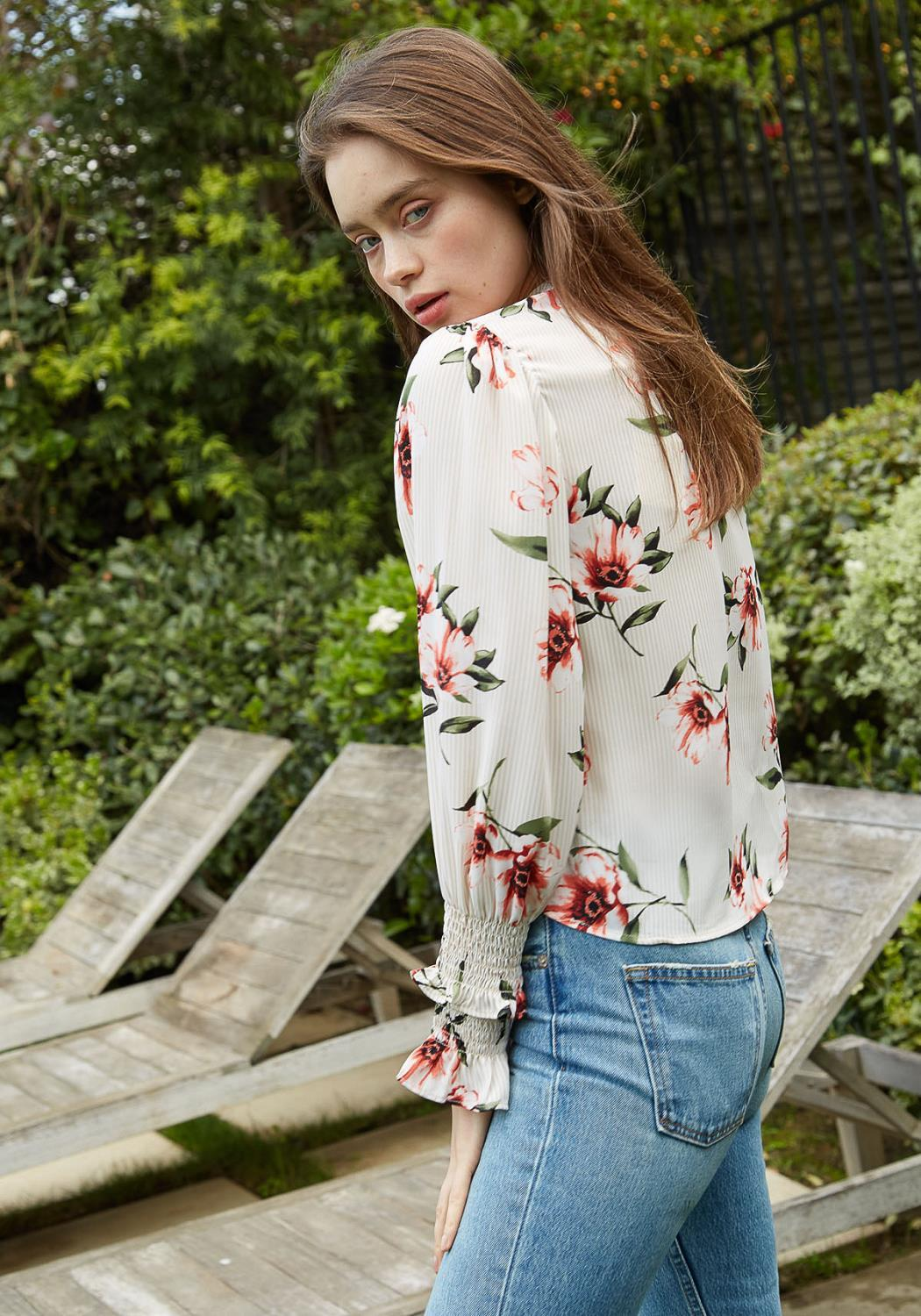Nurode Rust flower Mockneck Smocked sleeve Blouse Women Clothing