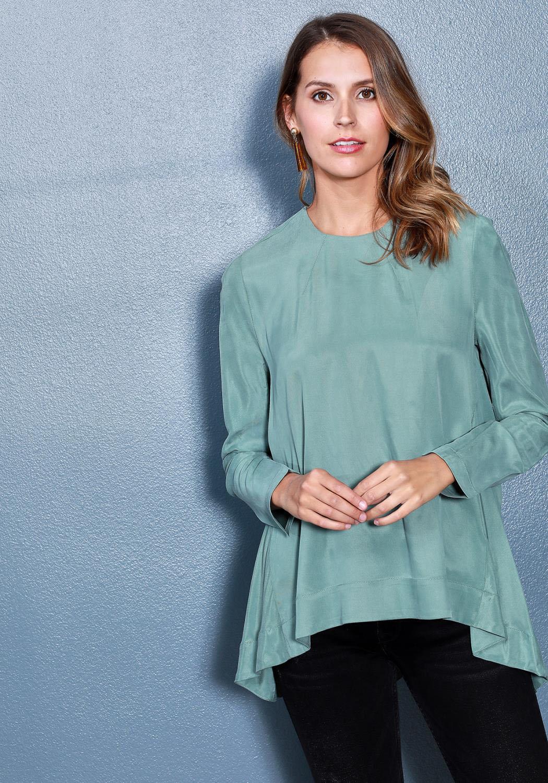 Ro&De Noir Crewneck Hi-Lo Top Women Clothing