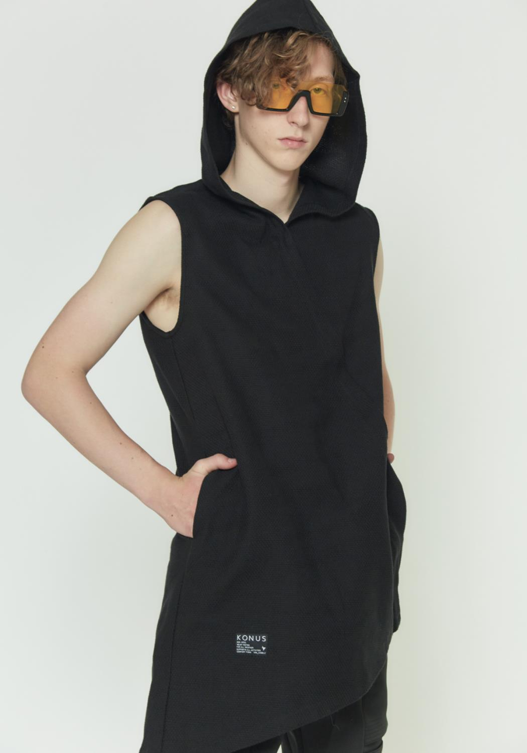 ASYMMETRICAL ZIP UP SLEEVELESS HOODIE