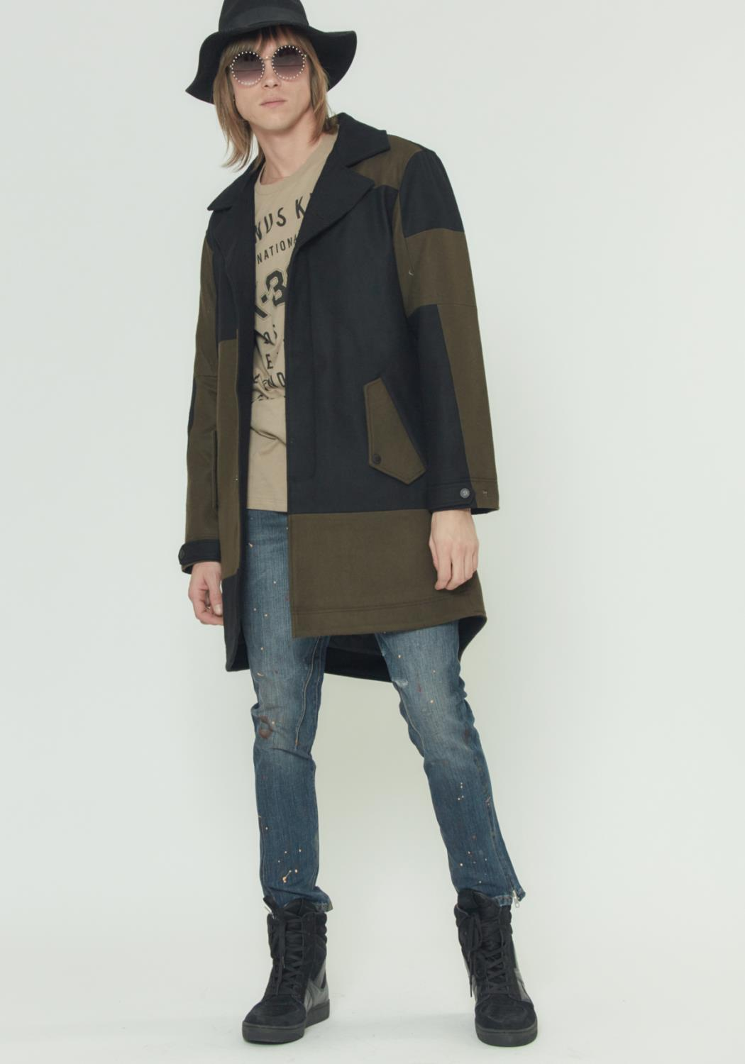 GEOMETRIC PANELLED WOOL COAT