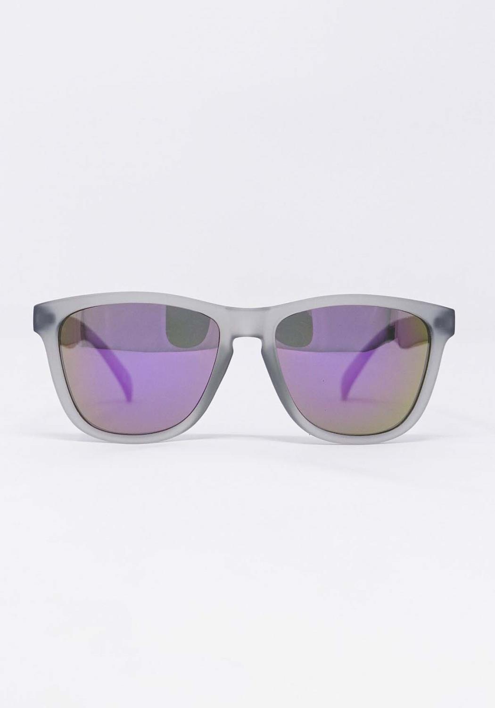 Glassy Deric Grey