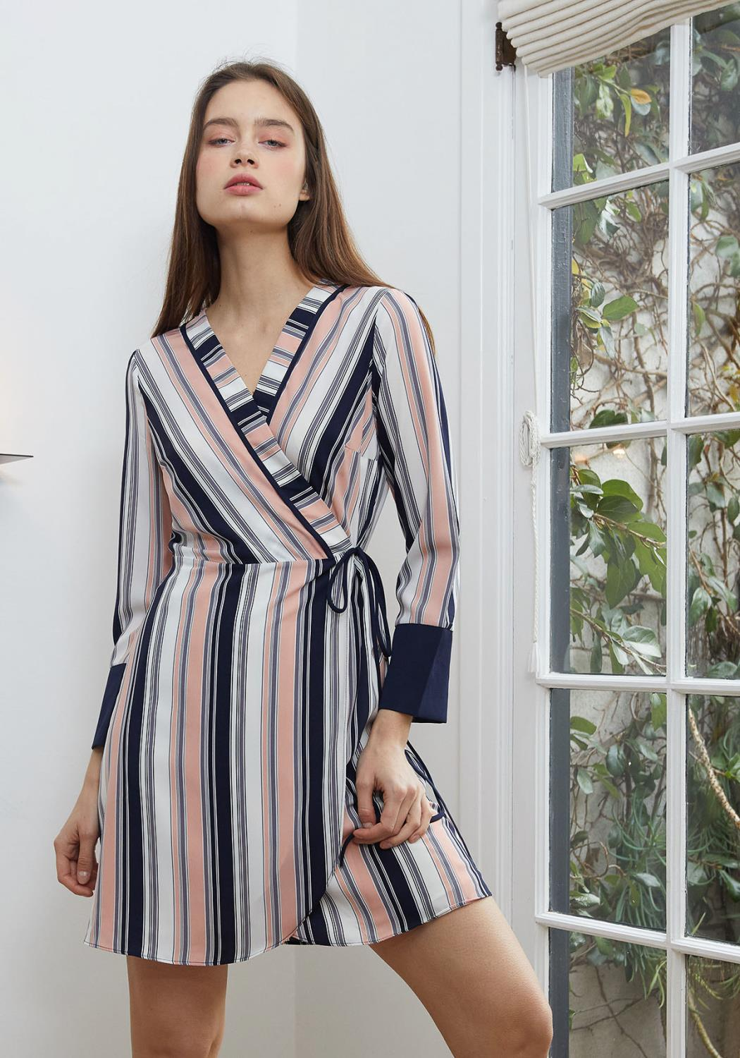 Nurode Printed Wrap Dress With Cuff Binding