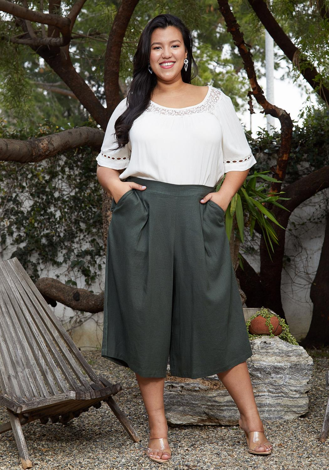 Pleione Plus Size Pleated Wide Leg Capris