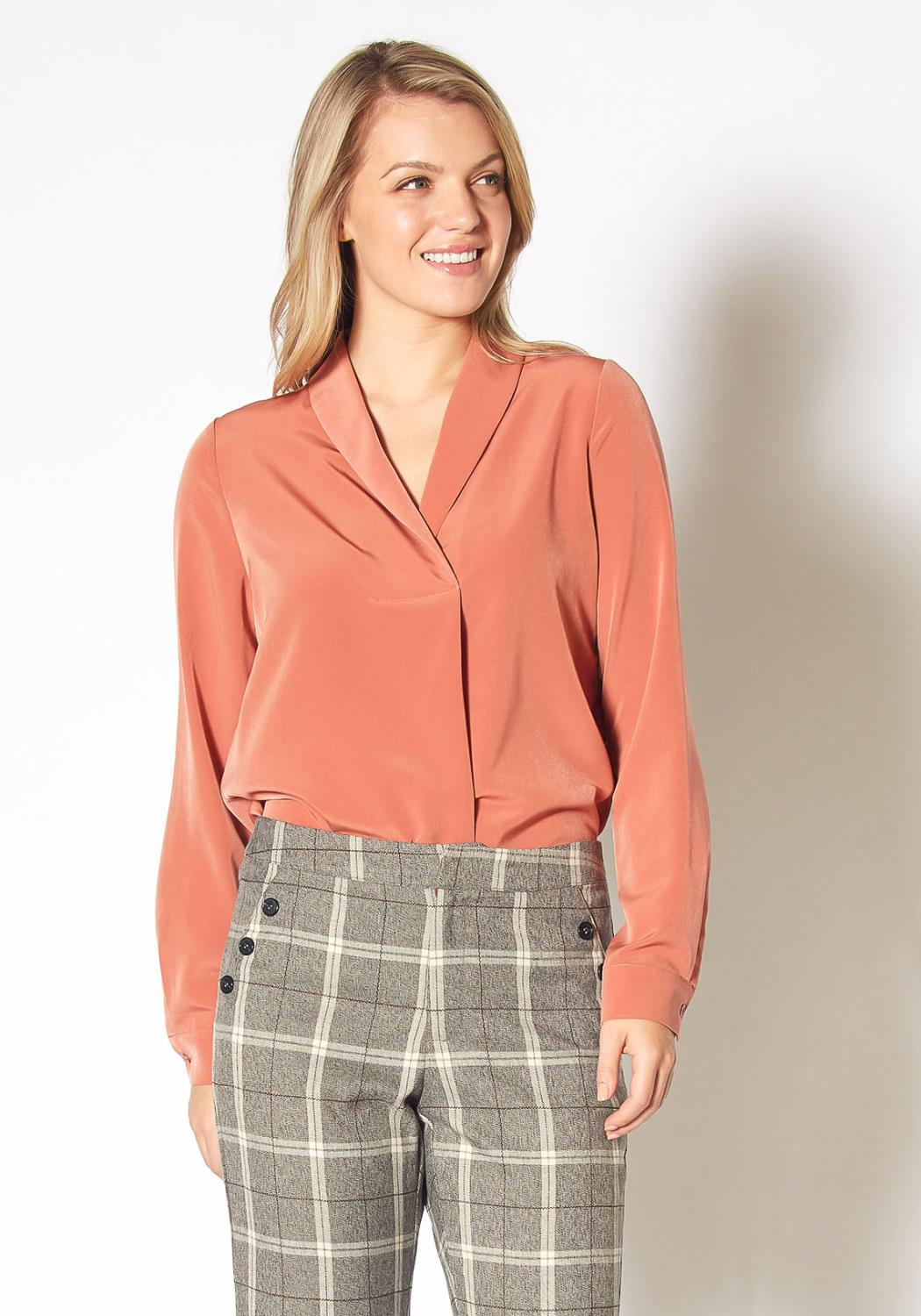 Pleione Womens Shawl Collared Shirt