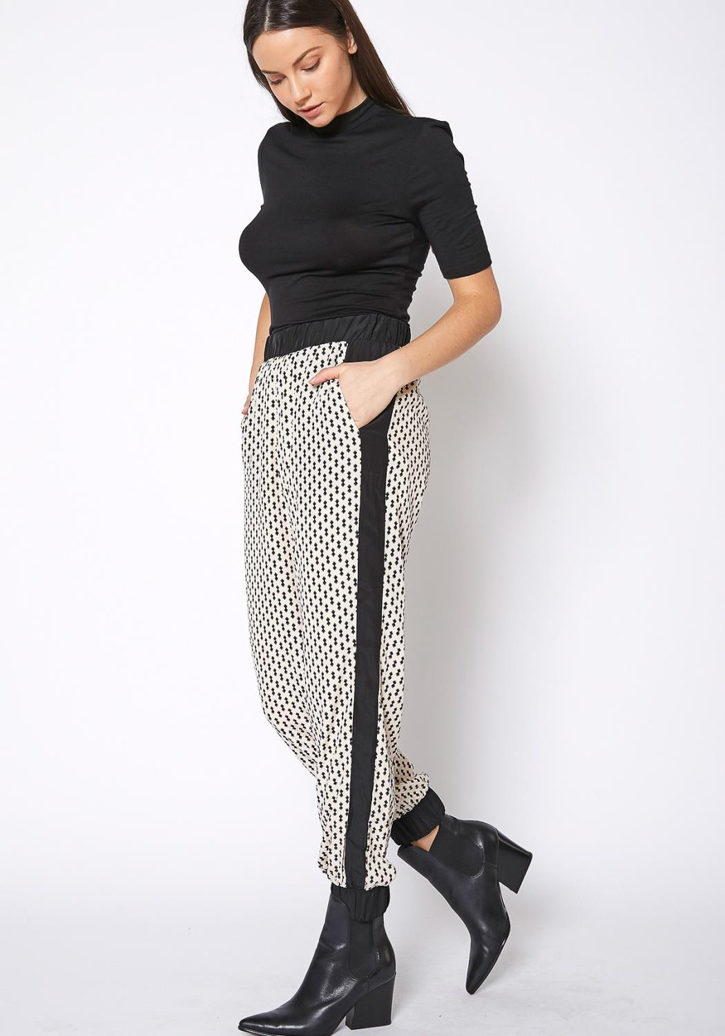 Ro & De Printed Casual Cuffed Hem Pants