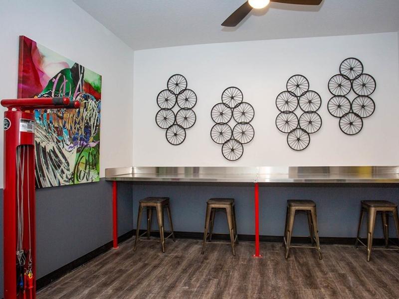Bike Repair Room | 644 City Station